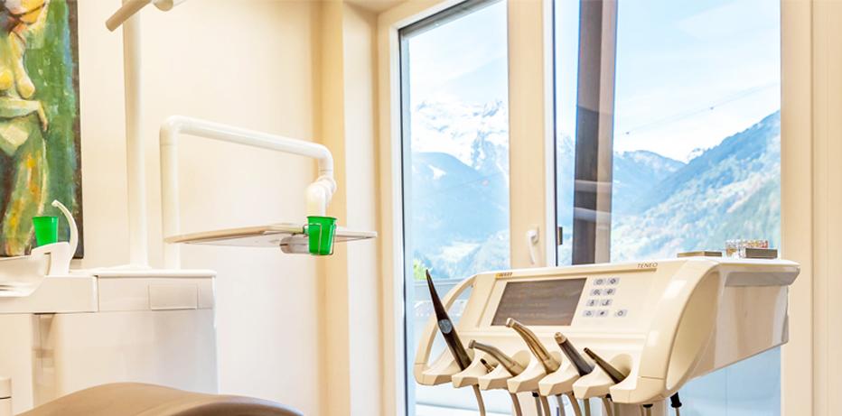 Zahnbehandlung mit Ausblick im Zillertal
